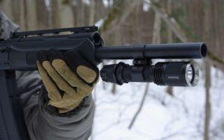 Лучший подствольный фонарь для охоты: критерии выбора и популярные модели